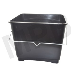 Basic 2.5L Plastic Paint Scuttle
